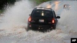 지난 6일 미국 오클라호마주 무어에서 폭우로 도로가 물에 잠겼다. (자료사진)