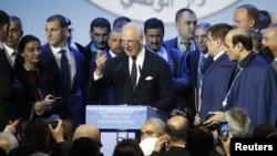 스테판 데 미스투라 유엔 시리아 특사가 30일 러시아 소치에서 열린 시리아 회담에서 연설하고 있다.