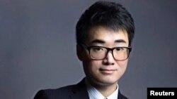 İngiltere'nin Hong Kong konsolosluğu eski çalışanı Simon Cheng, Çin polisinin kendisine işkence yaptığını iddia etti.