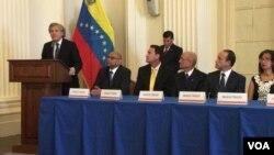 El secretario de la OEA, Luis Almagro, destacó durante su discurso que se deben hacer los esfuerzos necesarios para imponer sanciones más duras sobre autoridades del régimen de Nicolás Maduro.