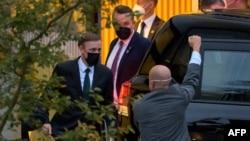 美国白宫国家安全顾问沙利文在瑞士苏黎世离开了与中共中央外事办主任杨洁篪举行了会谈的凯悦酒店 。(2021年10月6日)