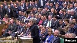 Farai Ministar Birtaniya Theresa May tana jawabi a majalisa