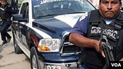 Desde que inició la administración de Calderón, unas 55,000 personas han perdido la vida por la violencia del narcotráfico.