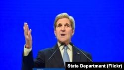 美国国务卿克里在苏黎世召开的达沃斯论坛上讲话。(2016年1月22日)