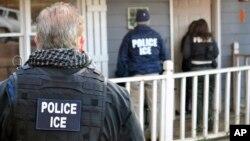 El condado ha recibido al menos 52 peticiones del ICE para retener a indocumentados.