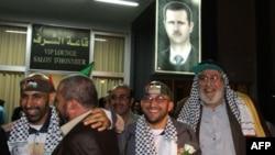 Авиарейсом в Дамаск прибыли 16 освобожденных палестинских заключенных. 19 октября 2011г.