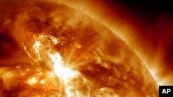 太陽風暴資料照。