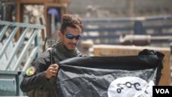 عراقي ځواکونه له موصل نه د داعش د شړلو جشن لمانځي