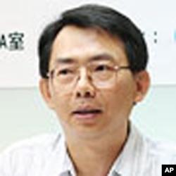 台湾知名的政治学者、中共政治体制研究专家寇建文教授