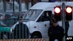 Nemačka policija ispred kancelarije kancelarke Angele Merkel