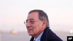 美国国防部长帕内塔12月13号到达阿富汗喀布尔