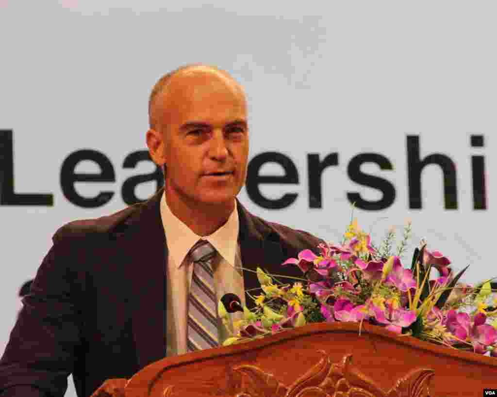 Mr. Silas Everett, Country Representative of the Asia Foundation delivers a welcome remarks. The Asia Foundation is one of the financial supporter of this forum. (Nov Povleakhena/VOA Khmer)