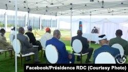 Président Félix Tshisekedi azali kosolola na bakambi ye biyamba na N'Sele, Kinshasa, 20 avril 2020. (Facebook/Présidence RDC)