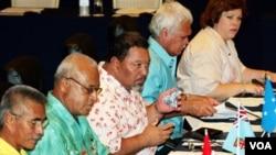Forum Negara-negara Kepulauan di Pasifik dalam pertemuan silam (foto: dok). Presiden Kiribati, Anote Tong (paling kiri) kini menjabat sebagai Ketua Forum ini.