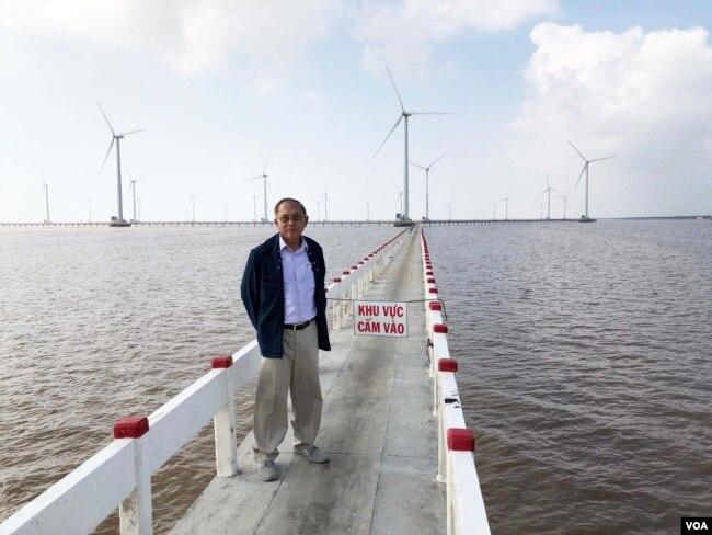 Việt Nam là vùng nhiệt đới gió mùa với 2,200 km bờ biển, xứ sở đầy nắng và gió là nguồn năng lượng tái tạo / NLTT là năng lượng sạch nhưng chưa được quan tâm đúng mức.[photo by Dương Văn Ni]