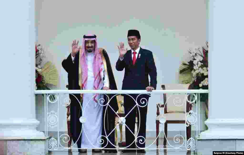 Raja Salman dan Presiden Jokowi di halaman belakang Istana Bogor, 1 Maret 2017 (Foto courtesy : Setpres RI).