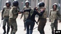 Egipatske bezbednosne snage obračunavaju se sa demonstrantima