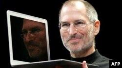 """Barak Obama:""""Stiv Cobs Amerikanın ən böyük novatorlarından biri idi"""""""