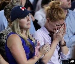 حامیان کلینتون هنگام اعلام خبر شکست او در انتخابات