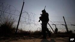 پاکستان ۳۰ هزار مرزبان دیگر را در امتداد خط دیورند مستقر می سازد