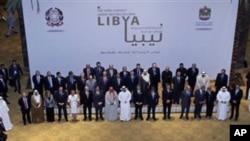 Photo de groupe des chefs de diplomatie du Groupe international de contact sur la Libye à Abu Dhabi