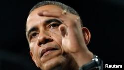 Rais wa Marekani, Barack Obama alipotembelea Hyde Party Academy huko Chicago. Februari 2013.
