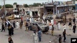 지난달 파키스탄 북서부의 페샤와르에서 발생한 차량 폭탄 테러 현장. (자료사진)