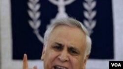 El ex presidente de Israel, Moshe Katsav, fue declarado culpable de dos cargos de violación y acoso sexual.