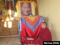 俄罗斯佛教徒盼望达赖喇嘛访问。(美国之音白桦拍摄)