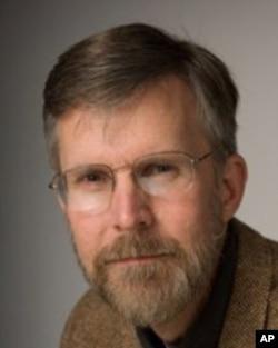 美国新罕布什尔州大学中国政治问题研究学者李道明