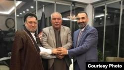 Afg'oniston Vitse-prezidenti Abdul Rashid Do'stum siyosiy ittifoqchilari bilan, Anqara, Turkiya.