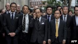 香港大律師公會成員和法律界人士遊行前往中聯辦反對港府計劃批准送中法案。 (2019年6月6日)