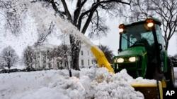 Bão tuyết hoành hành miền đông Hoa Kỳ
