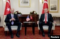 (ARŞİV) Joe Biden ABD Başkan Yardımcısı görevindeyken 31 Mart 2016'da Washington'da Cumhurbaşkanı Erdoğan'la görüşmüştü