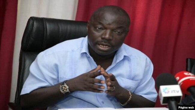 Bento Kangamba critica quem pede prestação de contas de JES