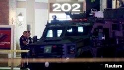 Полицейские на месте стрельбы в Орандж, штат Калифорния