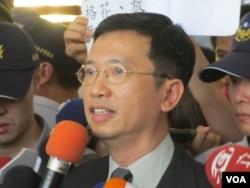 香港驻台办事处主任梁志仁(美国之音张永泰拍摄)
