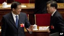 3月11日,薄熙来在人大会议上笑对广东省委书记汪洋,如今薄熙来还笑得起来吗?