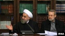 حسن روحانی در کنار علی لاریجانی در جلسه شورای عالی انقلاب فرهنگی