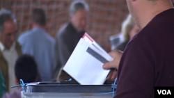 Glasanje na Kosovu (arhivska fotografija)