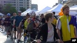 ชุมชนคนปั่นจักรยานไปทำงานกำลังขยายตัวเพิ่มขึ้นตามเมืองใหญ่ๆ ในอเมริกา