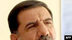 İran parlamentinin deputatı prezidenti dini rəhbərə qarşı çıxmaqda qınayıb