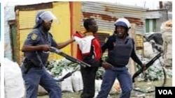 Angola polícia manifestantes manifestação manifestações