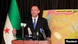 Juru bicara Koalisi Nasional Suriah Khaled Saleh dalam konferensi pers di Istanbul, 3 September 2013 (Foto: dok).