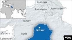 Selain serangan bom bunuh diri, kawanan bersenjata juga menembaki pos polisi lain di Mosul.