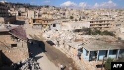 Edificios dañados en Darat Azzah, occidente de Aleppo, en el norte de Siria, luego de presuntos bombardeos de fuerzas del gobierno sirio. Octubre 7, 2015.