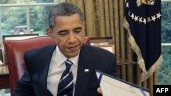 Обама підписав закон про продовження податкових пільг