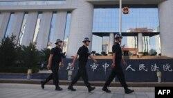 Polisi China menahan seorang penulis terkenal berusia 81 tahun (foto: ilustrasi).