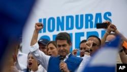 Le sortant Juan Orlando Hernandez proclamé vainqueur de la présidendielle au Honduras
