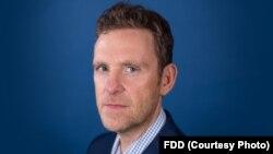 مارک دوبوویتز، مدیر اجرایی «بنیاد دفاع از دموکراسی ها»